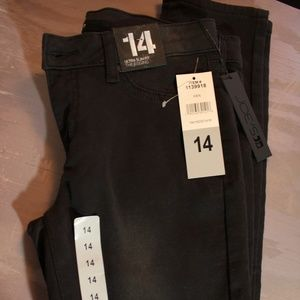Youth Size 14, Black Skinny Jeans!